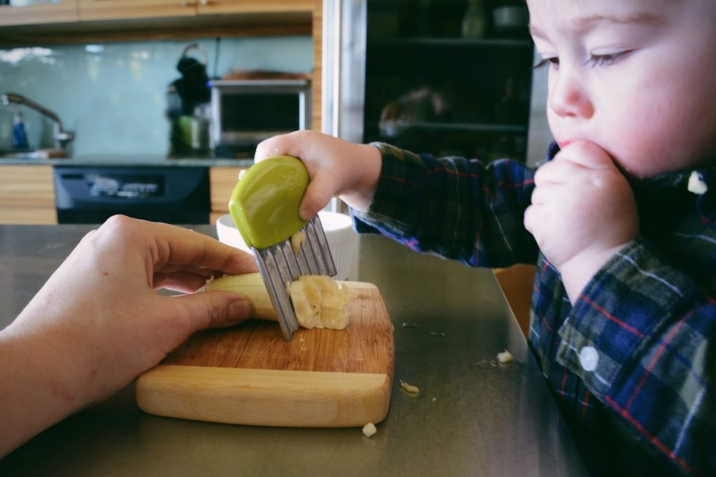 Child's First Knife: Crinkle Cutter